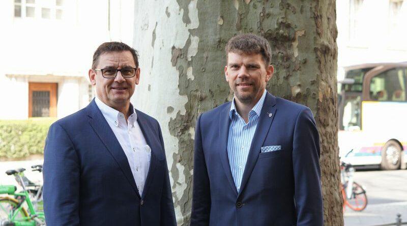 Bodo Schrödel (l.) und Michael Graf bilden die neue Führungsspitze der bayrischen Landesinnung.