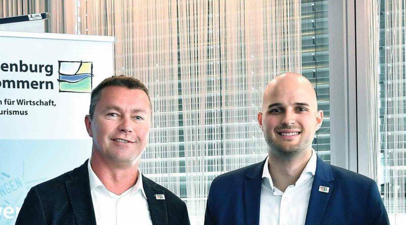 Der Geschäftsführende Gesellschafter Frank Starkowski (l.) und Bereichsleiter Forschung und Entwicklung Christian Eschenburg entwickeln ein DFS-Frühwarnsystem.