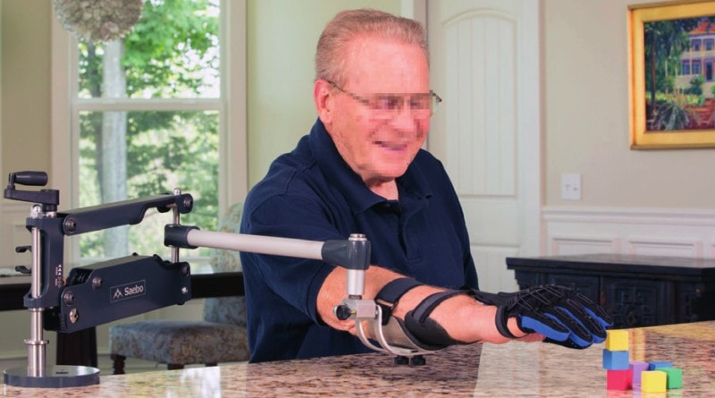 Durch die Abnahme der Schwere des Arms kann zielgerichtet mit der Handorthese in der Therapie geübt werden.
