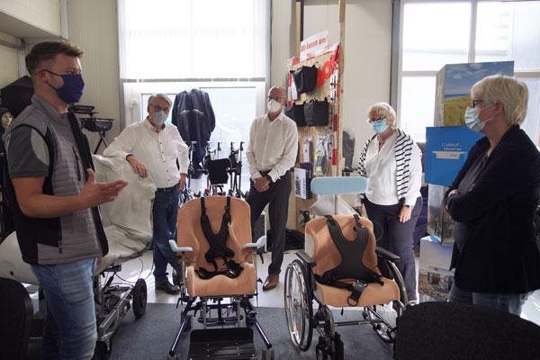 Reha-Techniker Justus Uppenkamp, Heiner Schroer (stv. Obermeister der Innung Münster), Alf Reuter (Präsident des BIV-OT); Adelheid Micke (Obermeisterin der Innung Münster) und Maria Klein-Schmeink MdB.