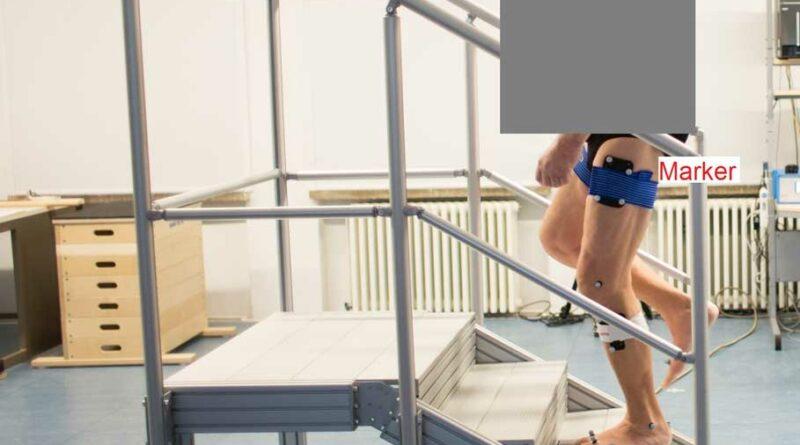 Versuchsablauf mit Proband beim Treppenaufstieg in der Standphase.