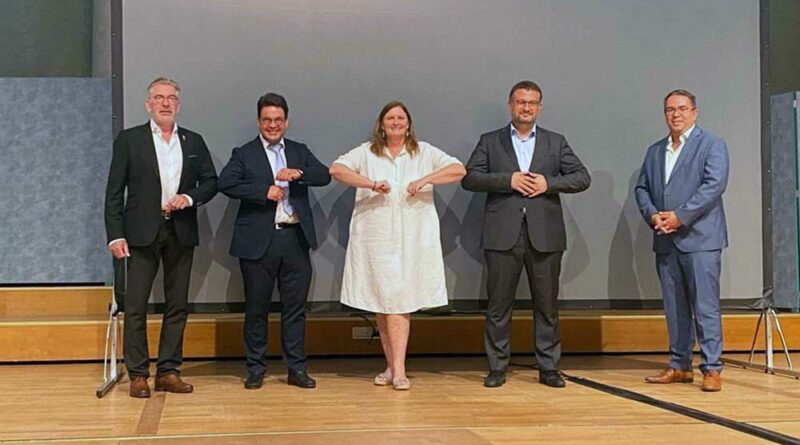 Fünf von sieben aktuellen Vorstandsmitgliedern der VSOU: (v.l.n.r.) Dr. med. Thomas Möller, Dr. med. Bodo Kretschmann, Prof. Dr. med. Andrea Meurer, Prof. Dr. med. Mario Perl, PD Dr. med. Matthias Münzberg.