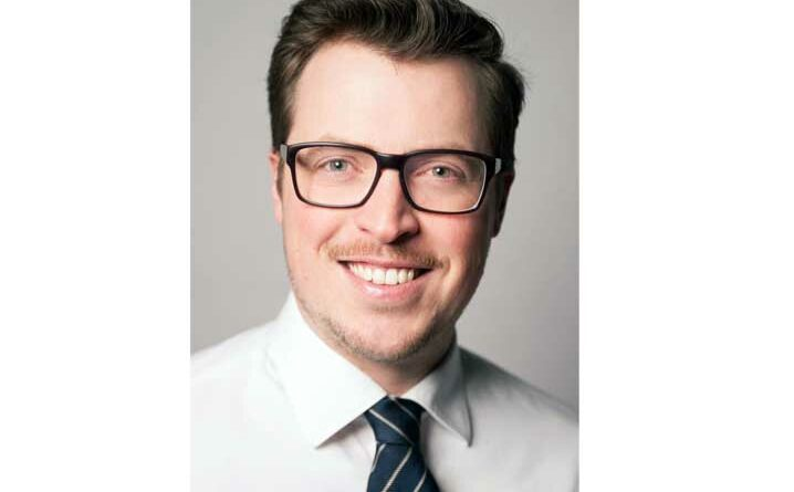 Ralph Bethmann, Fachlehrer an der BUFA, beobachtet ein wachsendes Interesse am Verfahren der Osseointegration.