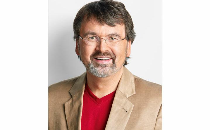 """René Röspel erklärt die aktuellen Ergebnisse der Enquete-Kommission zum Thema """"Künstliche Intelligenz""""."""