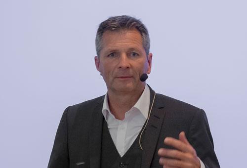 : Dr. med. Tobias Bertsch engagiert sich gemeinsam mit europäischen Kollegen für die Durchsetzung neuer, Europäischer Standards in der Lipödem-Therapie.