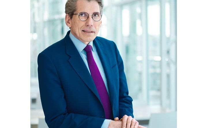 Andreas Storm darf sich über das Vertrauen des DAK-Verwaltungsrats und eine vorzeitige Ausweitung seines Kontrakts freuen.