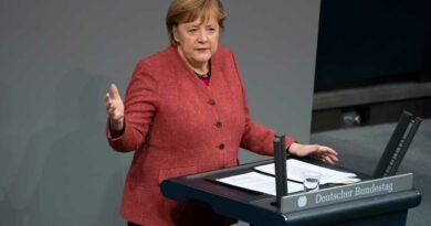 Bundeskanzlerin Angela Merkel (CDU) beschloss gemeinsam mit den Ministerpräsidentinnen und Ministerpräsidenten den erneuten Lockdown.