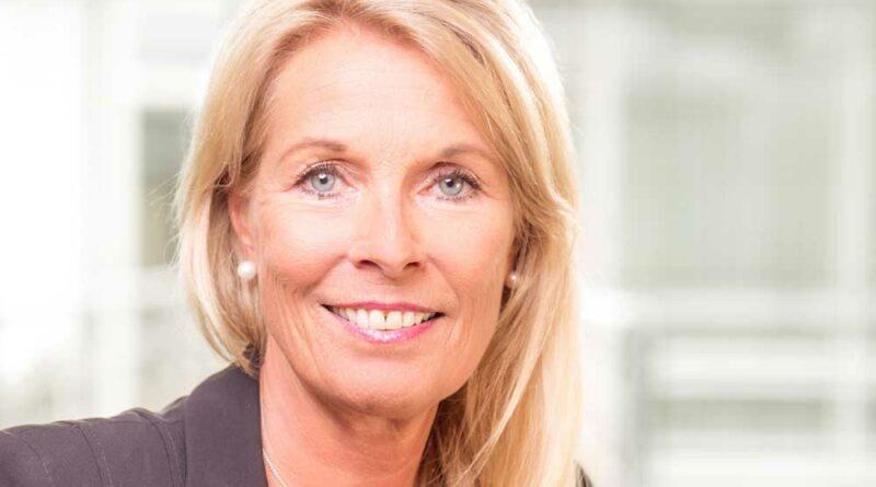 Susanne Hausmann rückt in den Bereichsvorstand bei Noventi vor.