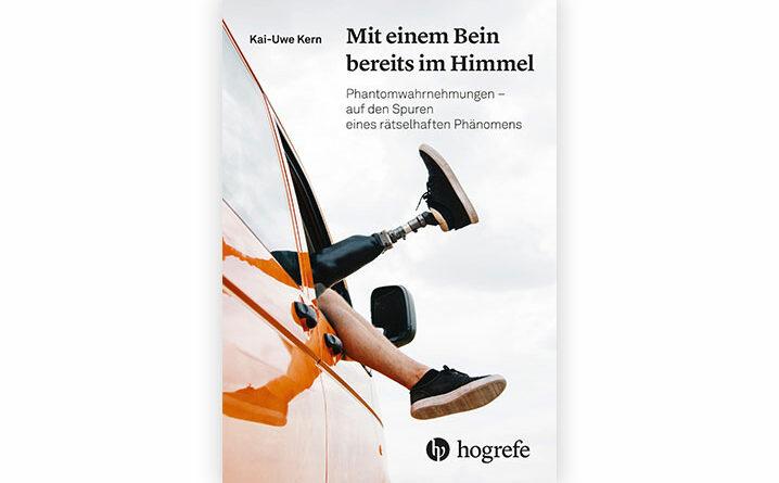 """Das Buch """"Mit einem Bein bereits im Himmel"""" von Kai-Uwe Kern ist erschienen im Oktober 2020"""