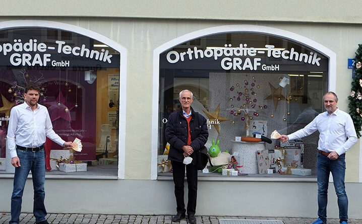 Meisterbetrieb Orthopädie Technik Graf spendete 500 Euro an den Hospizverein Erding.