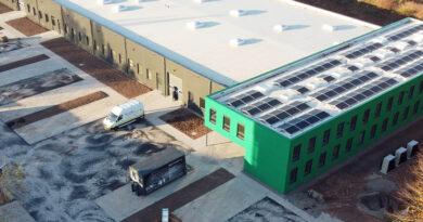 Im neuen Firmensitz sind die Solor Schuhforschung und Entwicklung GmbH und das fertigende Schwesterunternehmen Birke Schuhhaus & Orthopädie GmbH erstmals unter dem gleichen Dach angesiedelt.