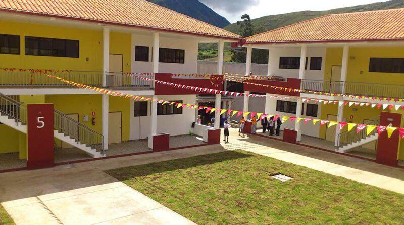 In der Diospi-Suyana-Schule wird Ehefrau Christina Haupt unterrichten. Foto: Diospi Suyana