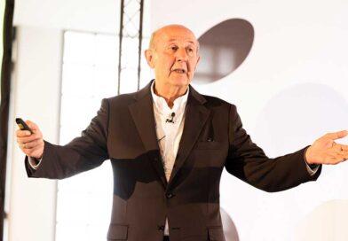 Rainer Volkmer, Gründer des Branchennetzwerks, begrüßte im Rahmen des Salitaris-Gipfeltreffens zahlreiche Vertreter:innen in Hamburg.
